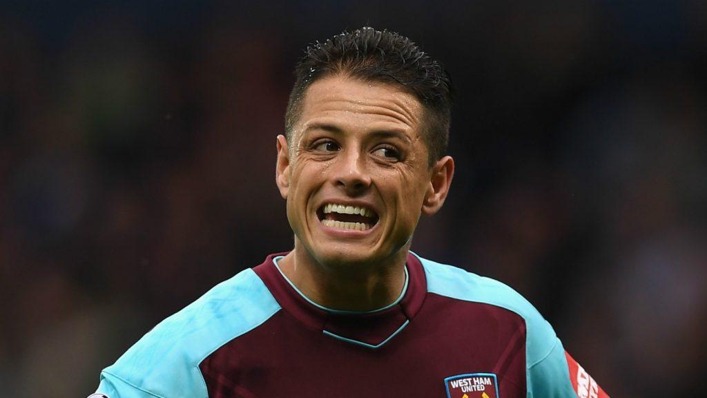 Javier Hernandez Mencetak Gol Dengan Tangannya Dalam Kemenangan Atas Fulham