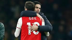 Ozil Jarang Dimainkan, Eks Arsenal: Ada Sesuatu
