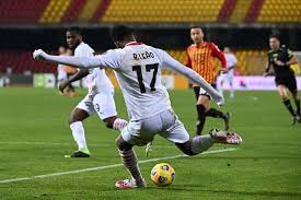 Menang Atas Benevento, Milan Amankan Posisi Puncak